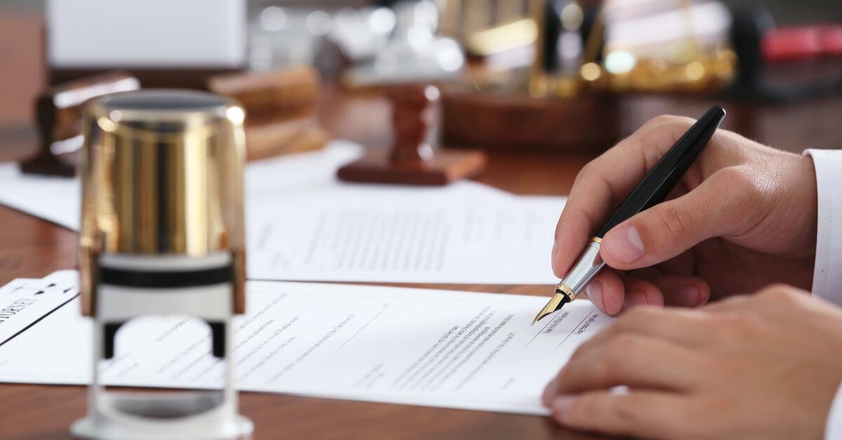 Übersetzung von Verträgen und juristischen Fachtexten